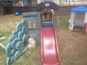 Little tykes slippery slide and fort with stairs Willmot Blacktown Area Preview