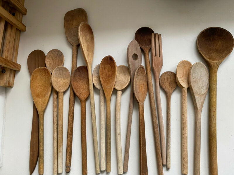 Primitive Kitchen Farmhouse Wood Spoon Utensils Lot Of 18 Mixed Wooden