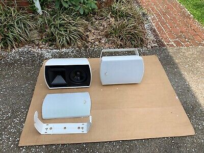 Klipsch AW-650 white indoor/outdoor Speakers with Mounting hardware