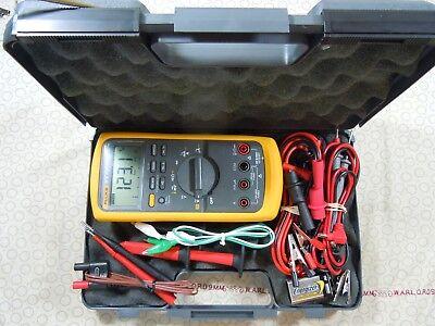 Fluke 87v Trms Multimeter Kit With Leads  Temp Probe Free Case - 57796.