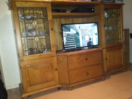 display wall cabinet (with matching coffee table and TV unit ...