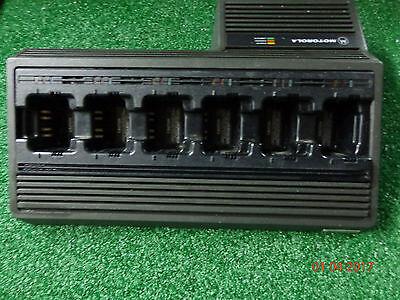 Motorola Ntn1177a Multi Carger 6 Pac Jedi Xts30005000 Mt2000 Ht1000 Radios