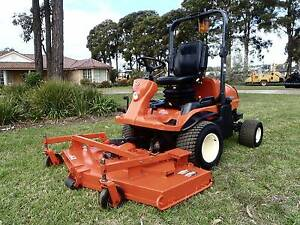 KUBOTA F3680 DIESEL 4X4 OUT FRONT DECK RIDE ON LAWN MOWER TORO Austral Liverpool Area Preview