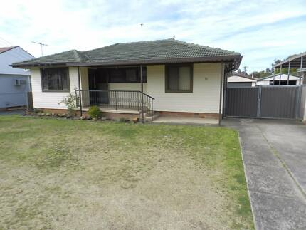 GOOD CONDITION 3 BEDROOM HOUSE $410 PER WEEK INCLUDING WATER