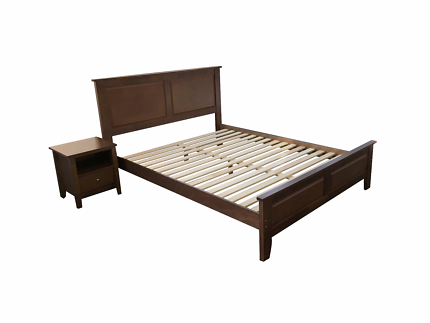 Brand New Solid Rubber Wood Queen Bed Frames (EH-M1056)