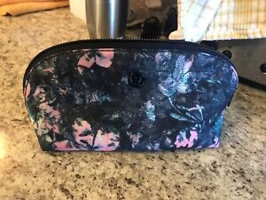 Brand new lulu lemon make up bag