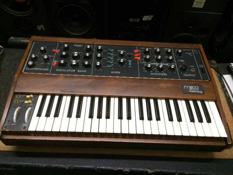 Original Vintage Moog Minimoog Model D,new Osc Analog Synth,cv Mod//armens.