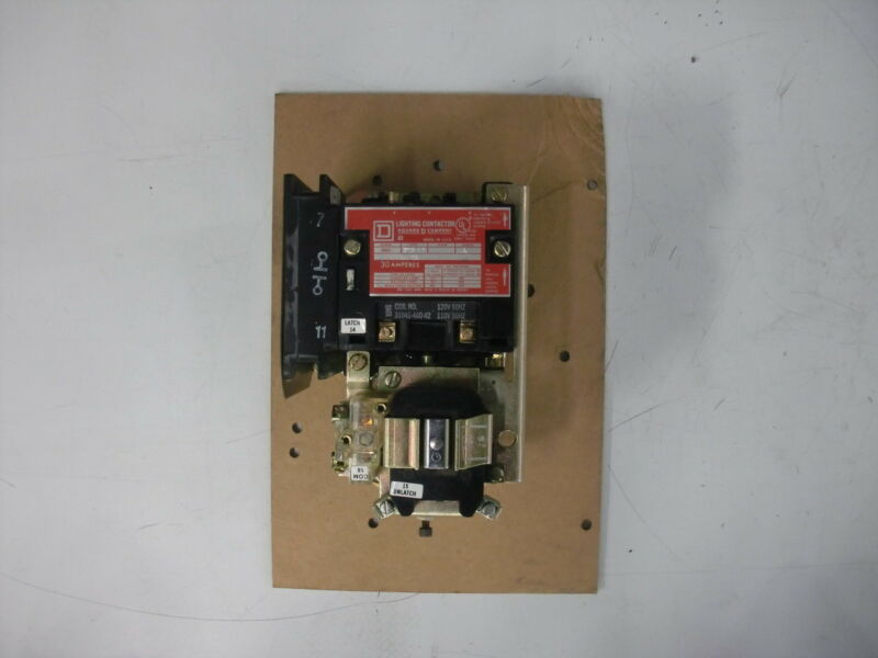 SQUARE D LIGHTING CONTACTOR 8903 SM0 12 A
