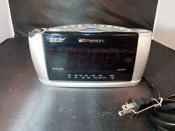 Emerson Research SmartSet Alarm Clock Radio Time Projector AM/FM Dual CKS3528