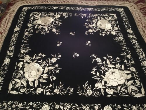 FINE ANTIQUE VINTAGE CHINESE CANTON EMBROIDERED SILK PIANO SHAWL EMBROIDERY #2!