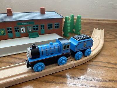 Thomas Wooden Railway Fisher-Price 2016 Edward the Blue Engine Y4071 VGUC