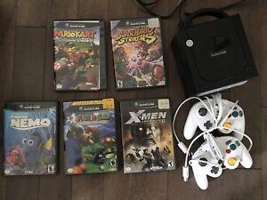 Nintendo GameCube 2 controllers 4 games mariokart