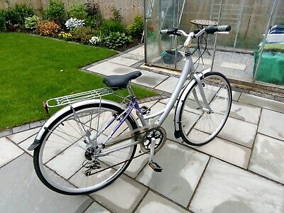 Women's Raleigh Metro bike-ONLY USED TWICE!!