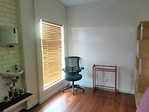 Health Practitioners wanted for Rooms to Rent Hamilton Hill Cockburn Area Preview