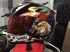 Casque de moto shoei RF1000