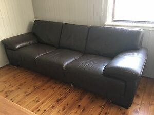 Brown leather lounge Riverstone Blacktown Area Preview