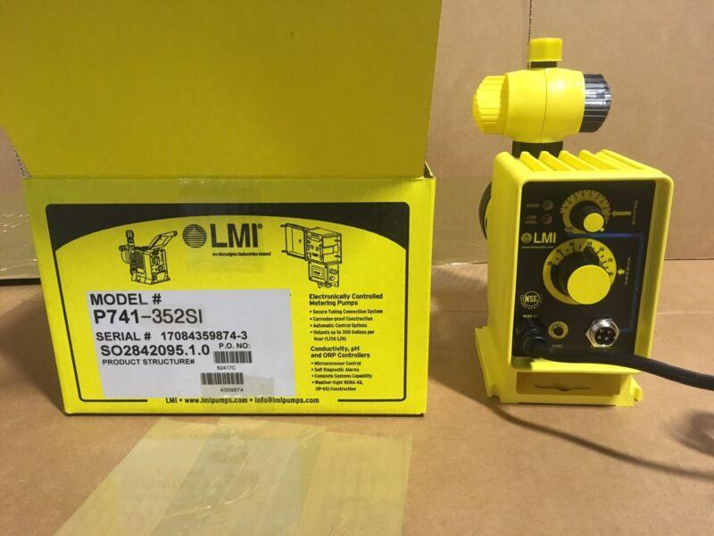 LMI Chemical Metering Pump P741-352SI .58 GPH 250 psi PVDF Manual/pulse Control