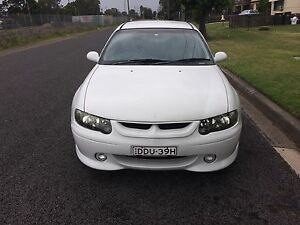 2000 Commodore SS Leather, DVD , Built Auto, Project  SWAP? SYDNEY Minto Campbelltown Area Preview