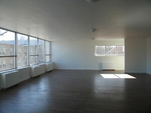 Large Office Suite | Near Downtown Core| Rear Parking