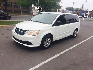 2012 DoDge Caravan STOW N GO 169000km fully loaded 7passager