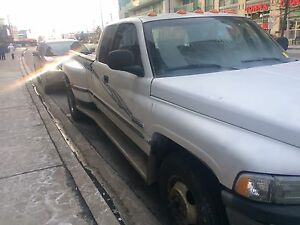 1999 DODGE RAM 3500 SLT DIESEL - GREAT CONDITION MUST SEE