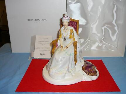 Royal Doulton Diamond Jubilee Figurine Fulham Gardens Charles Sturt Area Preview