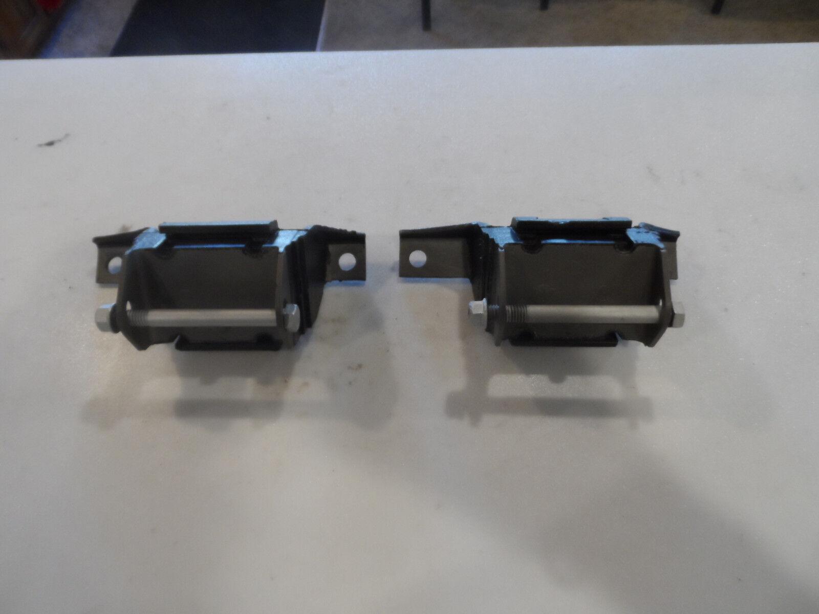 71 72 73  Mustang Cougar motor mount engine bracket insulator D1ZA-6038-BB pair