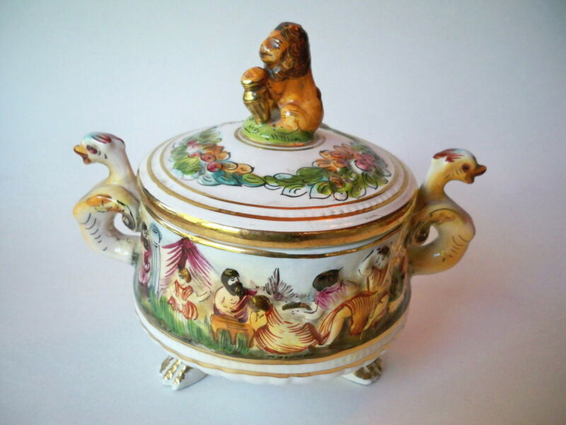 Capodimonte 3-Footed Porcelain Bowl with Lion Lid