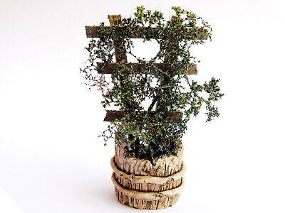 Krippenzubehör Planztrog mit Spalier und Kletterpflanze Busch belaubt, 9cm Höhe
