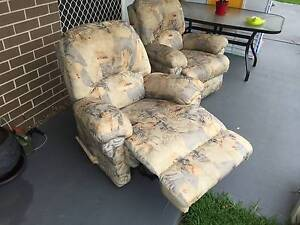 Two Single Seat Recliners McGraths Hill Hawkesbury Area Preview