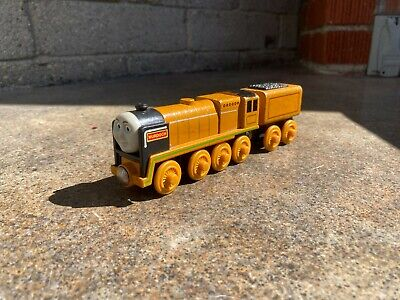 Thomas and Friends Wooden Railway Murdoch Steam Engine and Tender