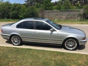 BMW  2003  530i