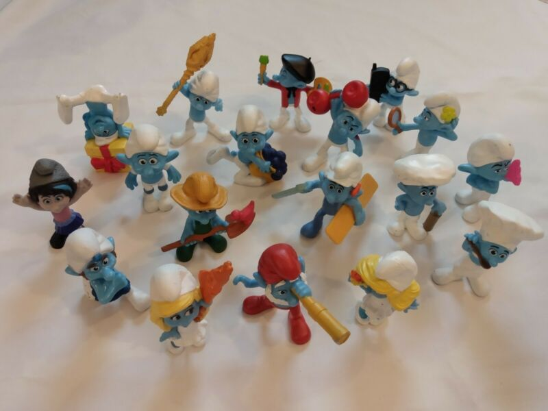 GUC Smurfs Figurines Lot of 18