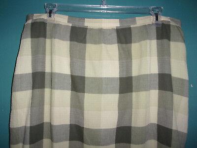 Josephine Chaus  green checkered crrinkle skirt  Size 18   (1X) (Green Checkered Skirt)