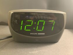 Philips Magnavox Large Display AM/FM Dual Alarm Clock Radio AJ3380