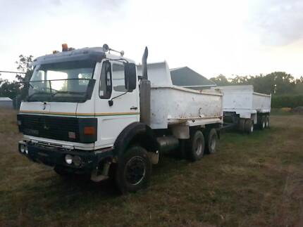 V8 Mercedes-Benz and 3 Axle Dog Trailer Combo