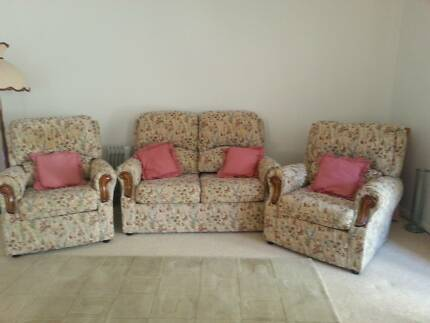 3 Piece Lounge Suite Maryland 2287 Newcastle Area Preview