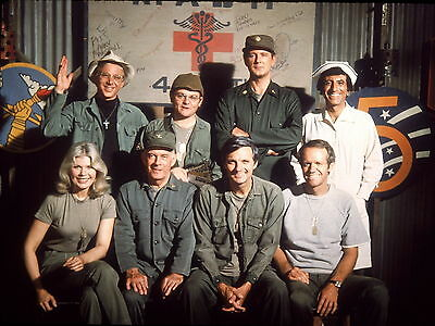 MASH CAST 8X10 GLOSSY PHOTO PICTURE IMAGE #2