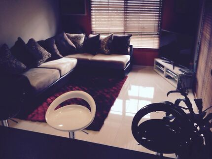 Room for rent in Mulgrave 10 mints from Monash university.$160