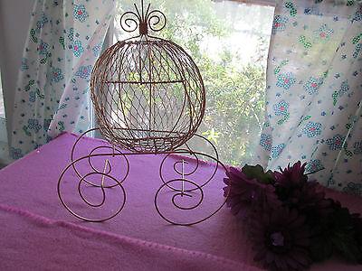 Gold Wire Cinderella Carriage for Wedding or Birthday Centerpiece