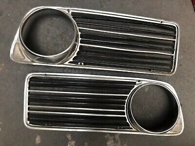 BMW 2002 TII / TI / TURBO 1969 1970 1971 1972 1973 Front Grille 2 Pieces