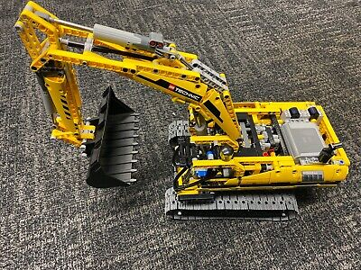 LEGO Technic 8043 Motorized Excavator Pre Owned Dissembled
