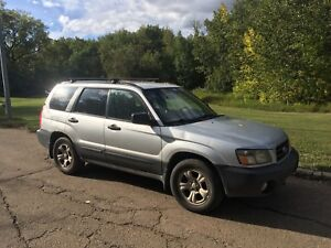 Subaru Forester, rare manual transmission!