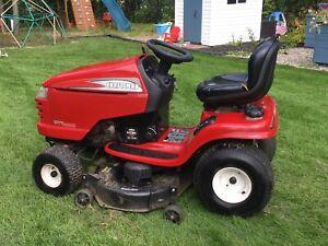 Tracteur à gazon DYT 4000