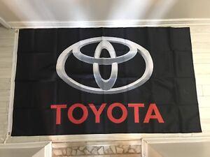 Drapeaux Toyota TRD