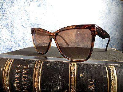 57a48bbafe1 ELLEN TRACY Ladies 90s Amber Geometric Tortoiseshell Sunglasses Made in  Italy