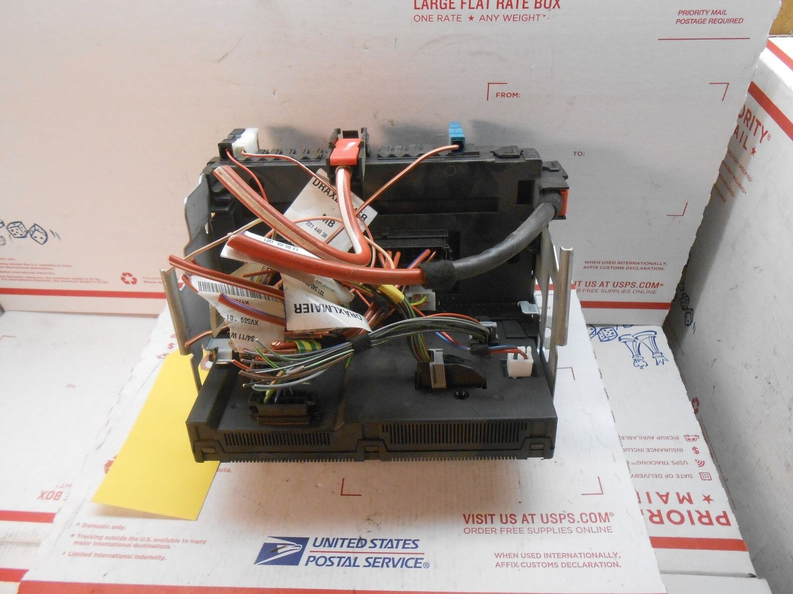 Used Mercedes Benz Controllers For Sale Page 10 C220 Fuse Box On 2010 2013 C Class Rear Sam A 2219006902 Pl0149