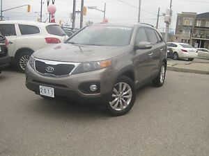 2011 KIA SORENTO EX | Leather • Fully Loaded • V6