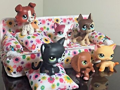 Littlest Pet Shop Sofa Couch Bed + Pillows LPS ACCESSORIES Clothes NO Cat-Dog  ()