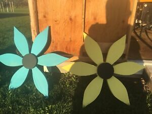 26 inch wooden flowers newly built more colours available